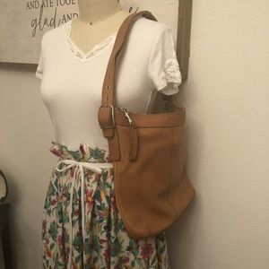 COACH VINTAGE PERFECTLY WORN LEATHER PURSE